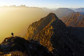 Zu Fuß durch die wilden Alpen