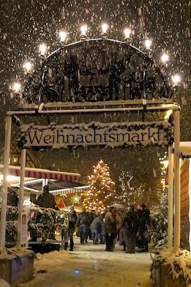 Eingang Weihnachtsmarkt Feucht